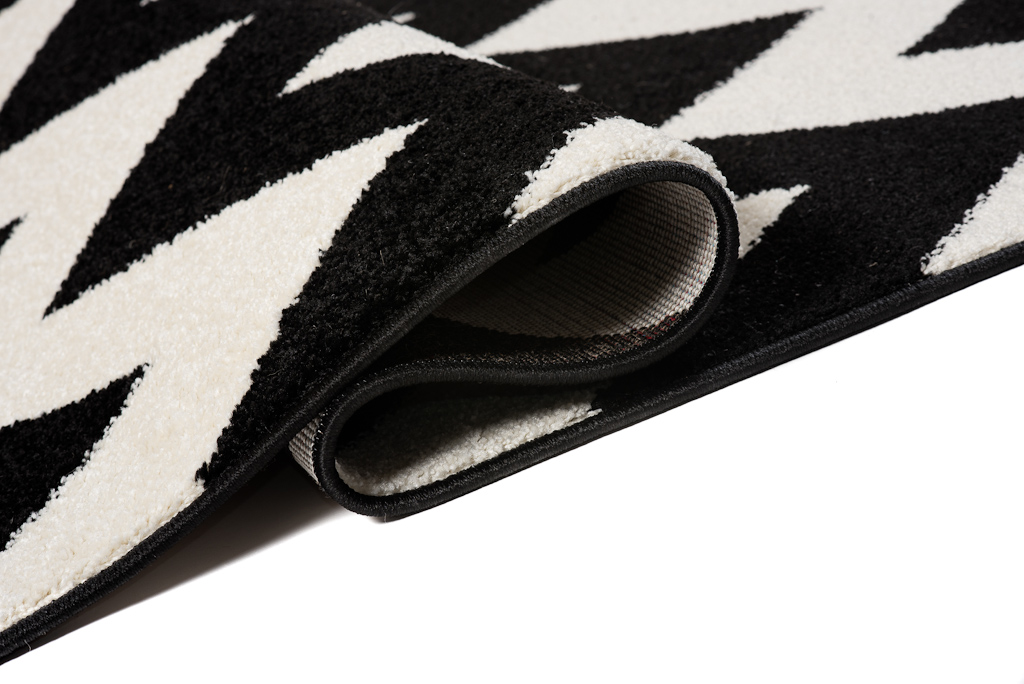 l ufer br cke flur teppich muster zig zag modern in schwarz wei online shop. Black Bedroom Furniture Sets. Home Design Ideas